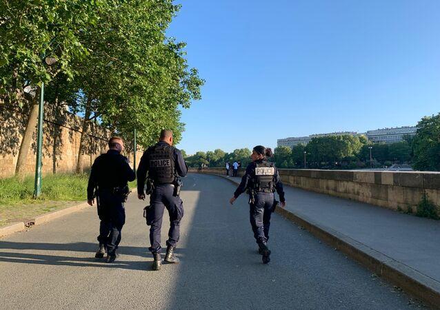 Des policiers à Paris