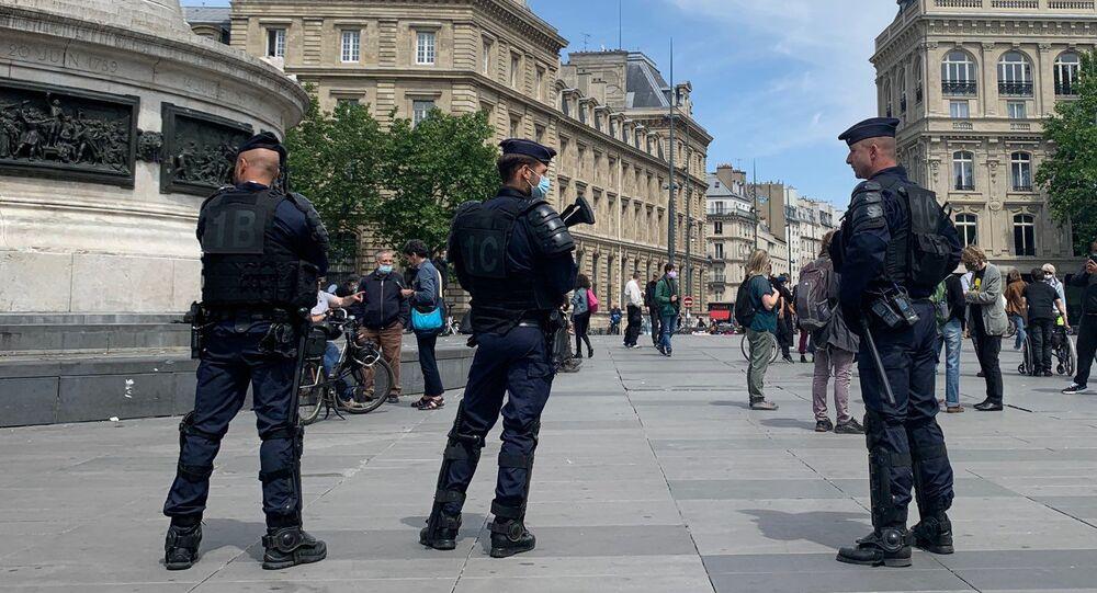 Police à Paris, place de la République
