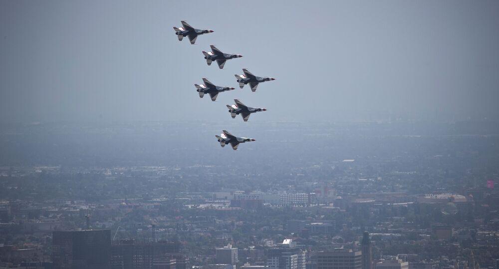 La patrouille acrobatique Thunderbirds de l'US Air Force