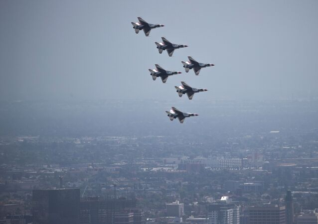 La patrouille acrobatique Thunderbirds de l'US Air Force