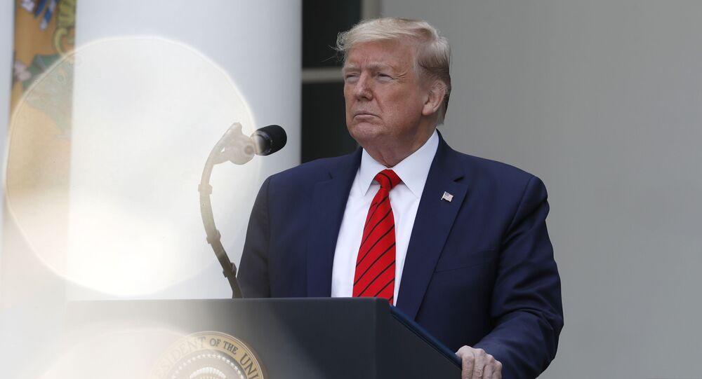 Le Président Donald Trump, lors d'une conférence à propos coronavirus sur la roseraie de la Maison-Blanche, lundi 11 mai 2020, à Washington. (AP Photo/Alex Brandon)