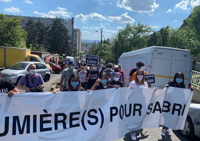 Marche blanche en hommage à Sabri