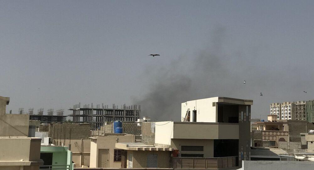 Un Airbus 320 s'écrase au Pakistan, près de 100 passagers à son bord