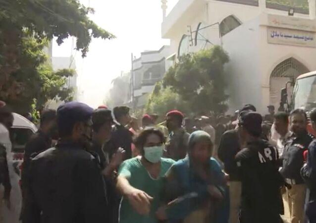 Un avion de ligne de la compagnie Pakistan International Airlines s'est écrasé près de Karachi, 22 mai 2020