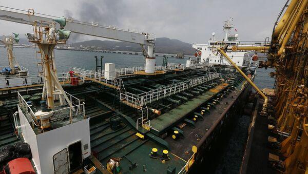 Иранский танкер Fortune  с топливом у завода  El Palito в Венесуэле  - Sputnik France