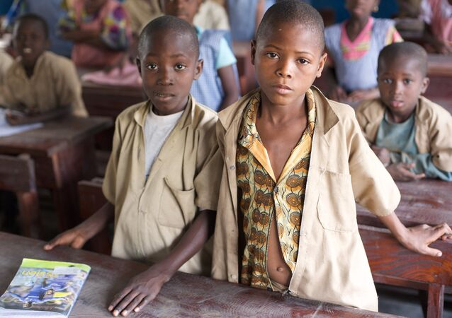 Les enfants en Afrique, image d'illustration