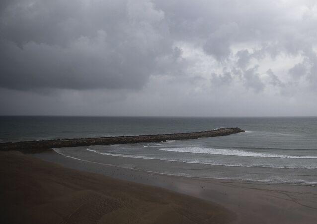 Une plage déserte au Maroc pendant le confinement.