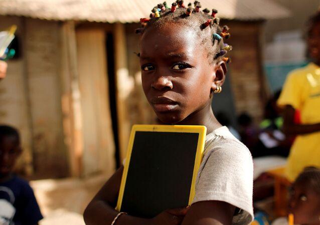 Une écolière, Afrique