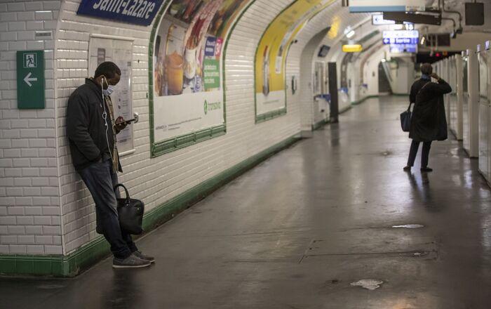 Le métro de Paris pendant la pandémie de Covid-19 (archive photo)