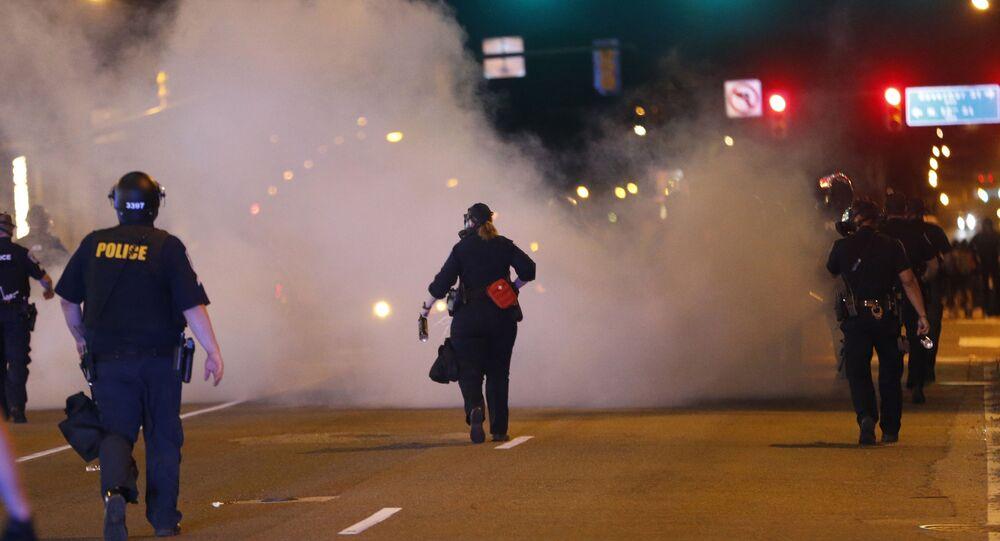 La police fait usage de gas lacrymogène lors d'une manifestation contre la mort de George Floyd (archive photo)