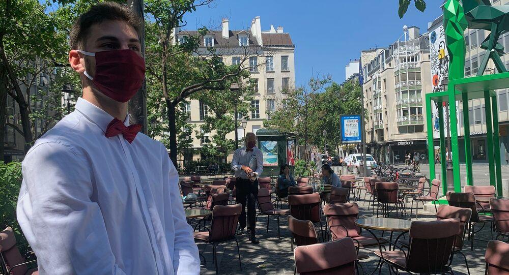 Une terrasse parisienne, archives