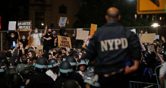 Manifestations à New York à la suite de la mort de George Floyd, le 2 juin
