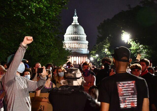 Une manifestation contre les violences policières à Washington