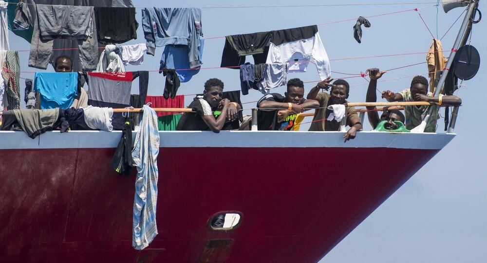 Bateau de migrants au large de Malte