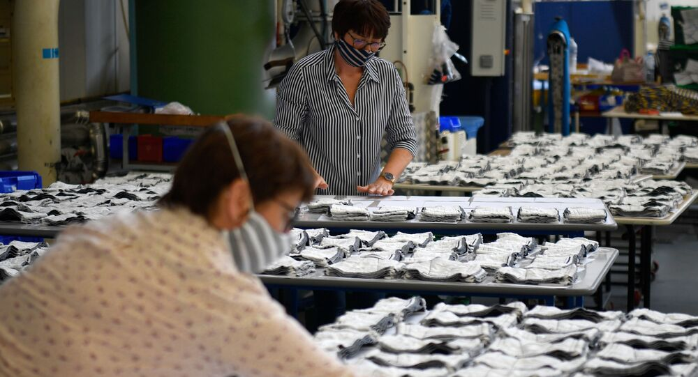 Une usine française qui produit des masques en tissu