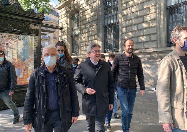 Jean-Luc Mélenchon lors du rassemblement en mémoire de George Floyd place de la République à Paris, 9 juin 2020