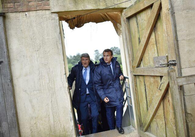 Philippe de Villiers avec Emmanuel Macron au Puy du Fou