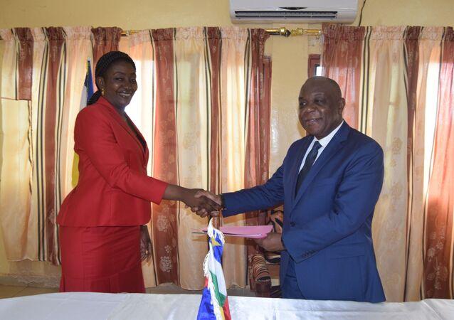 Rencontre entre la Présidente de l'AFESMICA et le Ministre des Mines de la RCA