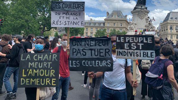 Une nouvelle journée de mobilisation contre le racisme à Paris, 13 juin 2020 - Sputnik France