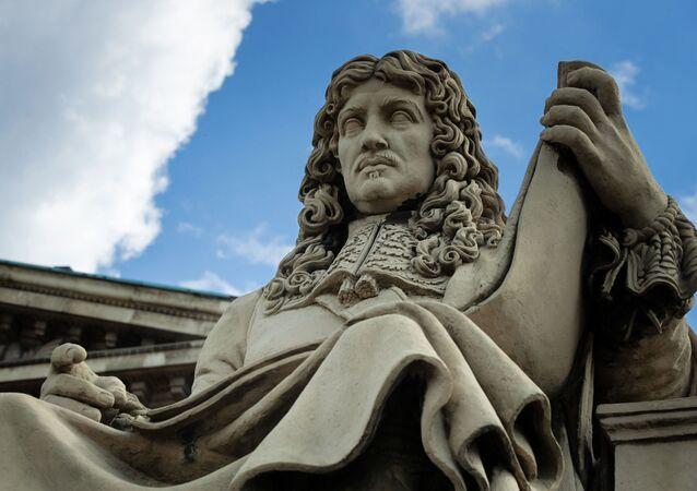 une statue de Colbert