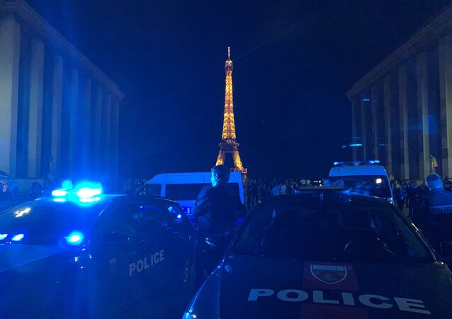 Action nocturne à Paris