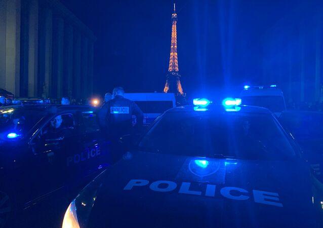 Action de policiers en colère Place du Trocadéro, 14 juin 2020