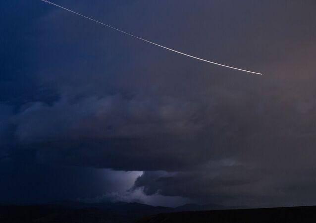 Astéroïde dans le ciel, image d'illustration