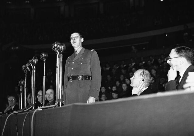 Le général de Gaulle lors de son discours au Royal Albert Hall de Londres le 18 juin 1942 pour célébrer le deuxième anniversaire de l'appel aux Français