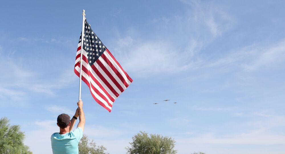 le 75e anniversaire de la victoire sur le nazisme célébré au Cimetière commémoratif national de l'Arizona