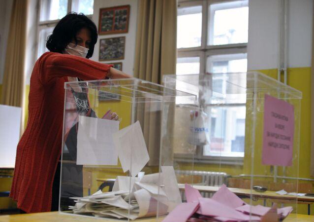 les élections législatives en Serbie