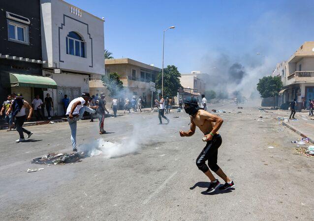 la manifestation de chômeurs en Tunisie le 21 juin