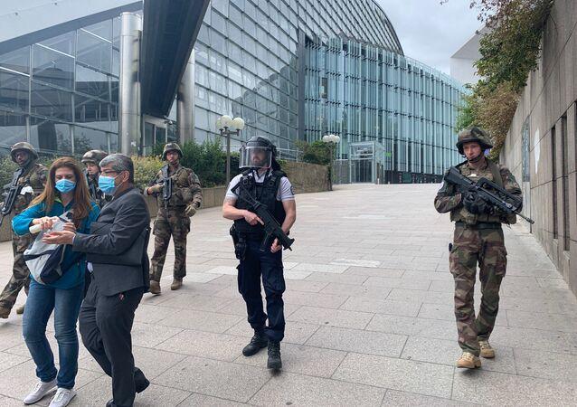 Intervention de police dans un centre commercial à La Défense, 30 juin 2020