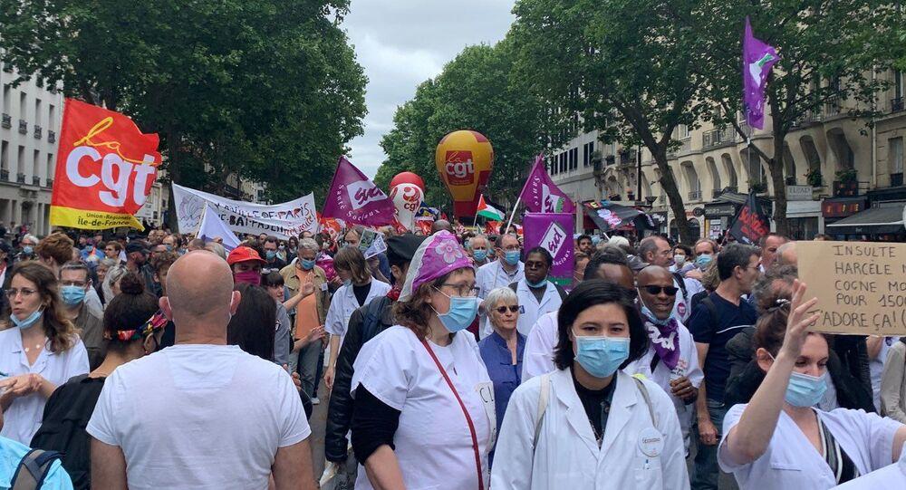 Le personnel soignant se mobilise pour une nouvelle manifestation à Paris, le 30 juin 2020