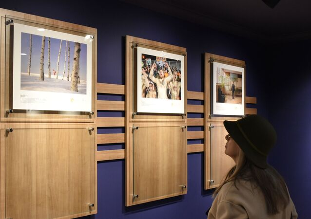 une exposition des œuvres des lauréats du concours Stenine à Ankara