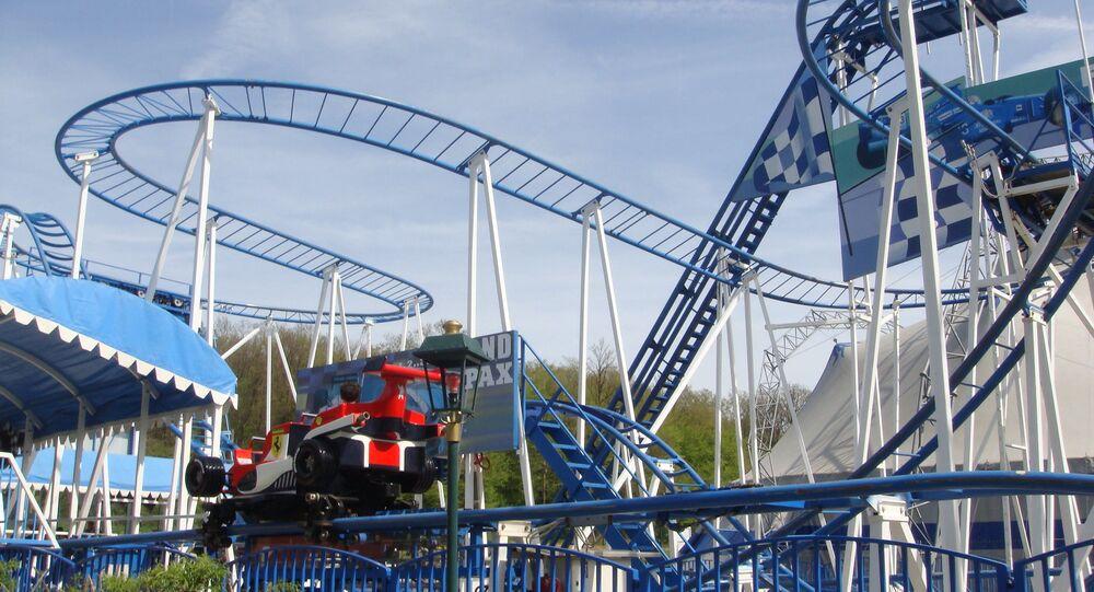 L'attraction Coaster Formule 1 dans le parc Saint-Paul (Oise)