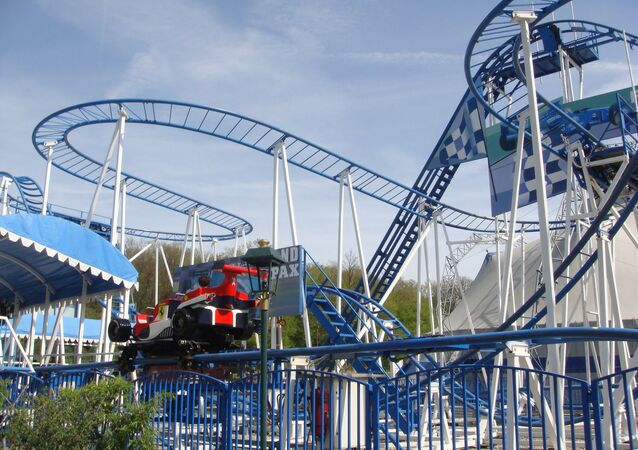 L'attraction Coaster Formule 1 dans le parc Saint-Paul (Oise)