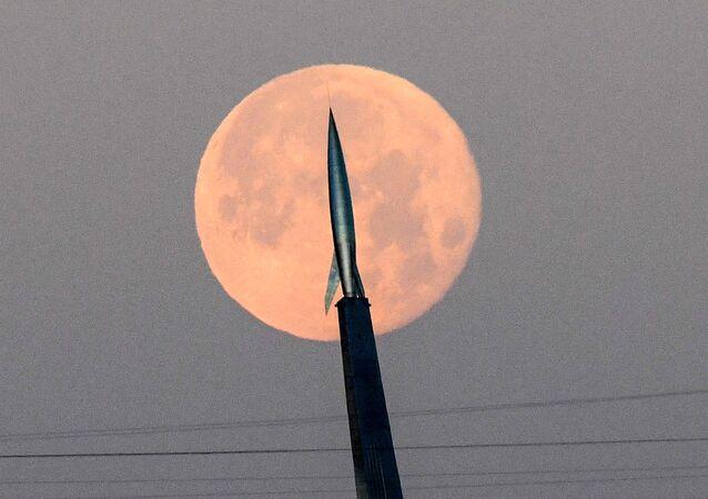 La «lune du tonnerre» vue des quatre coins du monde