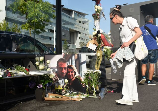 Hommage au chauffeur agressé à Bayonne