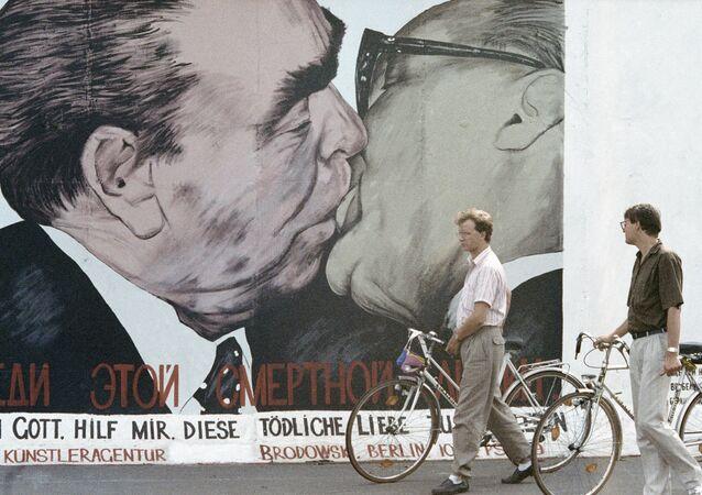 Le Mur de Berlin, 20 ans après