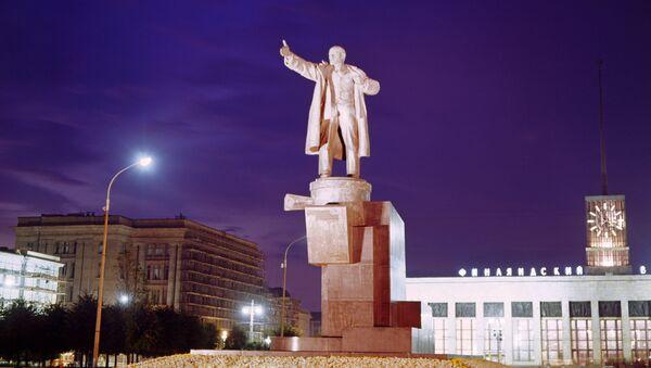 Une statue de Lénine à Saint-Pétersbourg - Sputnik France