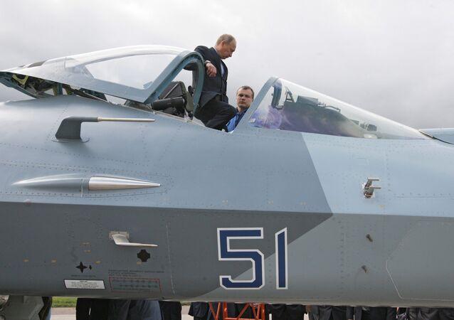 Le premier ministre russe Vladimir Poutine à l'aérodrome de Joukovski, près de Moscou