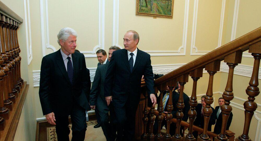 Vladimir Poutine et Bill Clinton, le 29 juillet 2010.