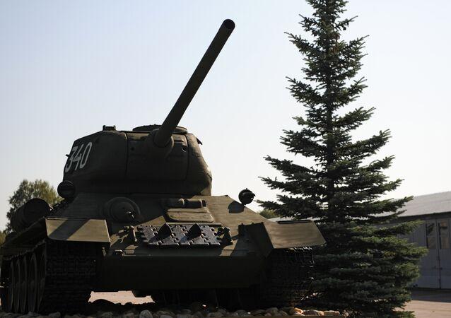 T-34 exposé au musée des blindés de Koubinka