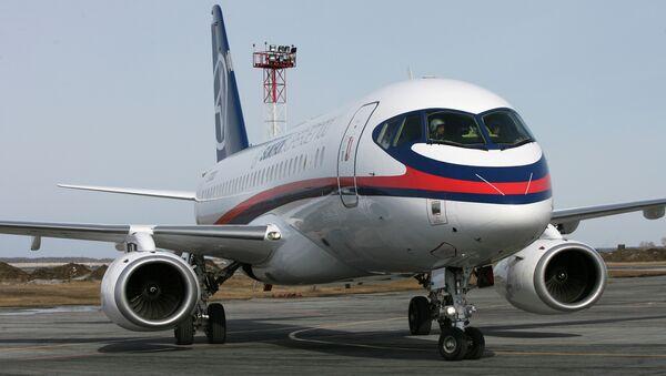 Самолет Сухой Суперджет-100 - Sputnik France