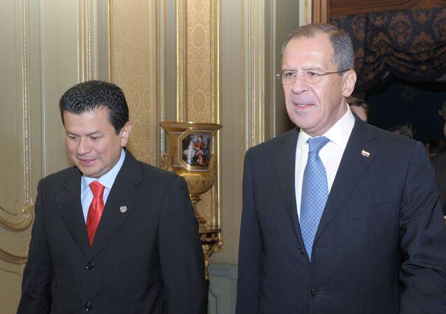 Hugo Martinez et Sergueï Lavrov
