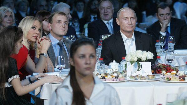 Владимир Путин посетил благотворительный концерт в Санкт-Петербурге - Sputnik France
