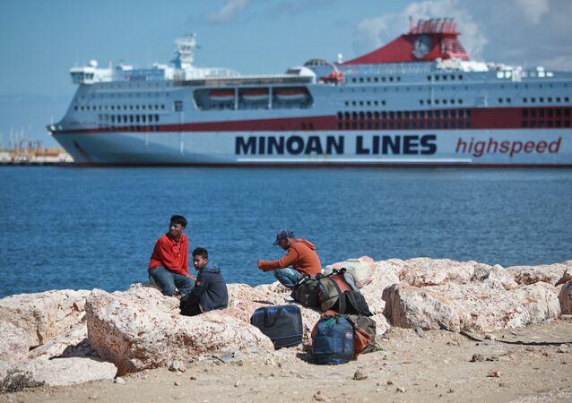Lybie: les réfugiés affluent vers le port de Benghazi