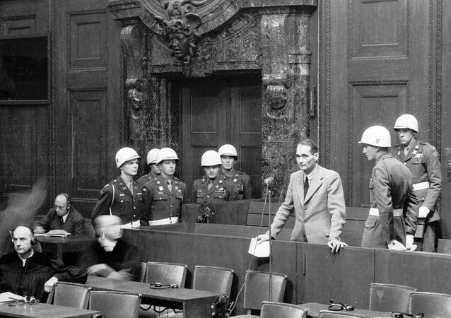 Rudolf Hess lors du procès de Nuremberg