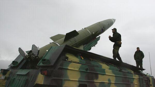Un missile sol-sol tactique Totchka-U - Sputnik France