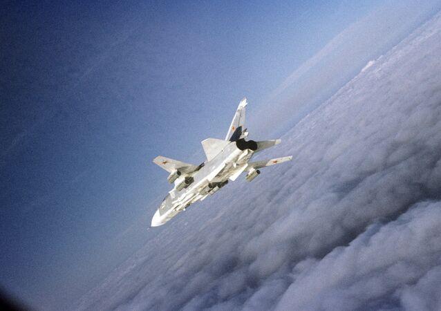 Bombardier russe Sukhoi Su-24. Archives